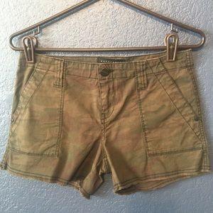 SANCTUARY Dark Camo Frayed Hem Shorts